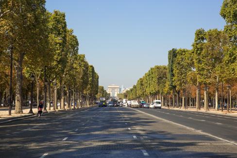 Parijs informatie - H m les champs elysees ...